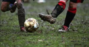 Love Football Hate Mud.